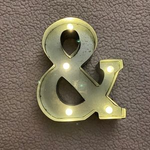 Metal Light-Up Ampersand (&)